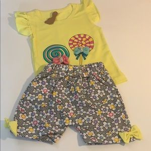 Girls 2 pc Shorts Outfit ( 18M)